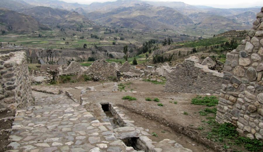 Titicaca See_Ruinas de Uyo Uyo